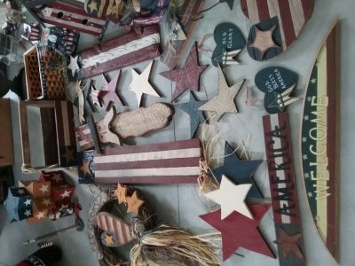 24 pieces of assorted rustic country Americana decor