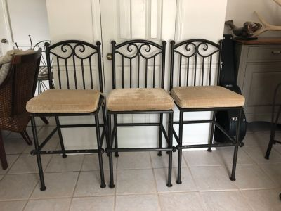 Metal Barstools with Cushions (3)