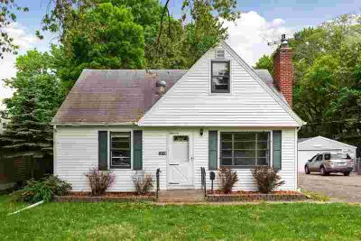 1319 43rd Avenue NE COLUMBIA HEIGHTS Three BR, Charming story and