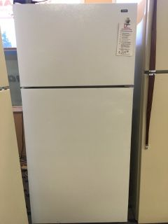 Hotpoint White 15 cf Refrigerator - USED