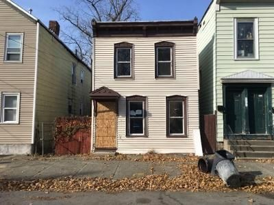 4 Bed 2 Bath Foreclosure Property in Troy, NY 12180 - 10th St