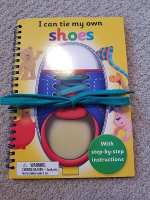 Learn to tie your shoes book