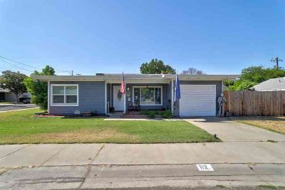 876 SE Maliah Avenue Madras Two BR, This townhouse has new