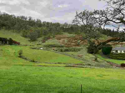 289 Darley DR Roseburg, On the outskirts of and overlooking