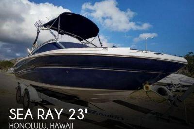 2005 Sea Ray 220 Select Bowrider