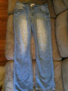 Women's jeans size 13 stretch can fit size 14 also! Boot cut, regular length brand no boundaries! OBO