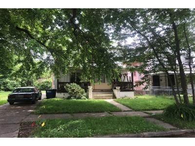4 Bed 1.0 Bath Preforeclosure Property in Toledo, OH 43620 - Lawrence Ave