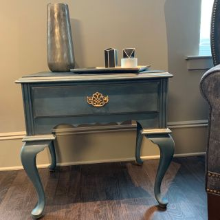 Pair of Bedside/Accent Tables