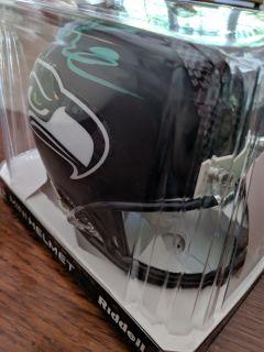 Russel Wilson Autographed mini-helmet with COA (ITZ)