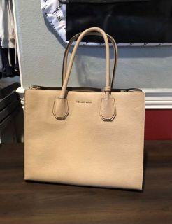 Michael Kors - Leather Handbag