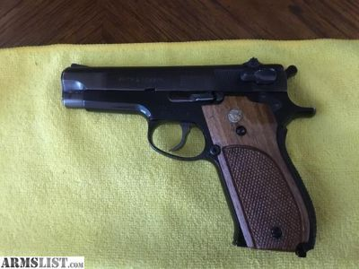 For Sale: Smith and Wesson 39-2