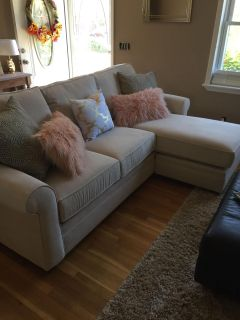 Haverty s Sofa with moveable Chaise