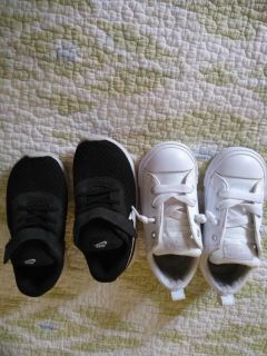 Gently used toddler shoes