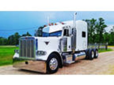 Used 2005 Peterbilt 379EXHD for sale.