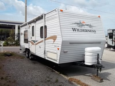 2004 Fleetwood Wilderness  25J