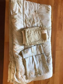 King comforter set great condition