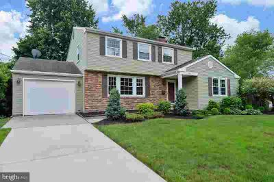 915 Orlando Rd CHERRY HILL Four BR, Mint condition for you to