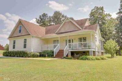 4220 Bagwell Rd Molena Three BR, Do you want a beautiful home w/