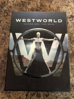 West world season one , 3 disc set, bought new , watched once , euc! Each disc is Hours long