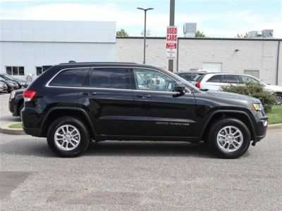 2018 Jeep Grand Cherokee Laredo 4x2 *Ltd Avail* (Black)