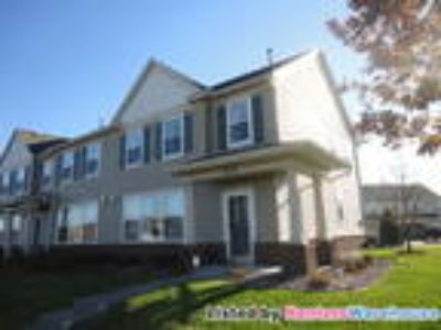 Immaculate/2bd/Two BA/2-Car End-Unit in Albertville