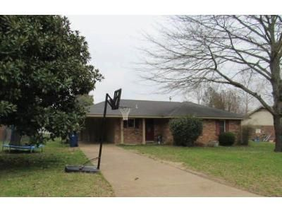 3 Bed 1 Bath Foreclosure Property in Horn Lake, MS 38637 - Eastover Dr