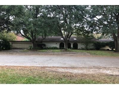 4 Bed 3 Bath Foreclosure Property in Bay City, TX 77414 - Ave L