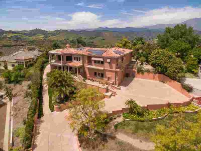 405 Monte Vista Drive Santa Paula Three BR, Designed and built in