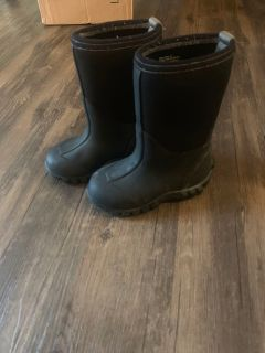 Heavy duty rain snow boots neoprene and rubber sz 10 boys or girls