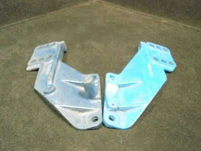 Buy PORT & STARBOARD BRACKETS #313661/313662 1968-72 OMC STERNDRIVE I/O BOAT MOTOR#2 motorcycle in Gulfport, Mississippi, US, for US $49.03