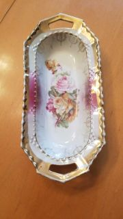 Small dish with roses