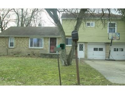 3 Bed 2 Bath Foreclosure Property in Lansing, MI 48906 - Sanford St