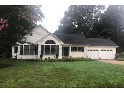 3 Bed 2 Bath Preforeclosure Property in Gastonia, NC 28056 - Cape Breton Trl