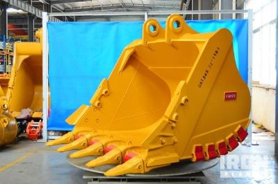 "Emaq 72"" HD Excavator Bucket w/TB Linkage - Fits Cat 345/349D - Unused"
