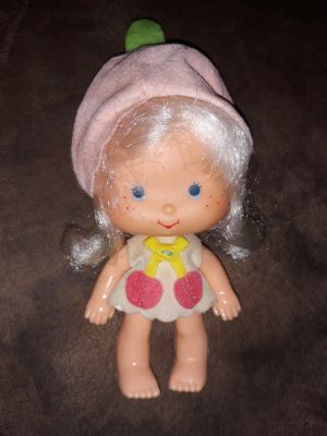 Cute little strawberry shortcake doll 1970s