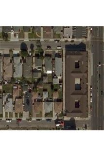 Near the 405 freeway and also horne High School. Carport parking!