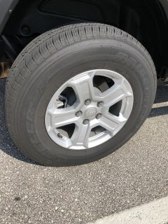 LIKE NEW Jeep JL Wheels and Tires (5)