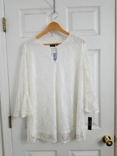 New With Tags!Beautiful White Lace Top With Adorable Bell Sleeves Size 1X