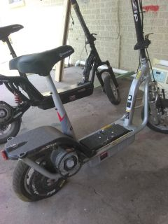 2 electric Scooters
