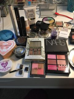 Makeup for sale!!! Clean and good condition!