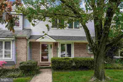 604 Pinebrooke Cir DOWNINGTOWN Three BR, **Back due to Buyers'
