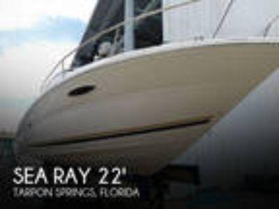 Sea Ray - 225 Weekender