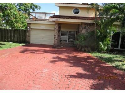 3 Bed 3 Bath Foreclosure Property in Pompano Beach, FL 33062 - Terra Mar Dr S