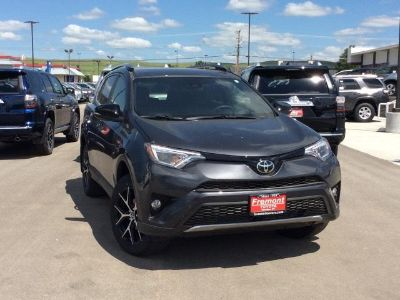 2018 Toyota RAV4 SE AWD (MAGNETIC GRAY METALLIC)