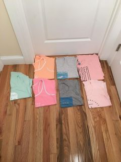 Old Navy Tank Top Lot. 7 Tanks. Size XS & S. Excellent Condition.