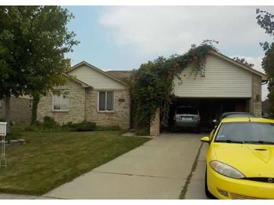 3 Bed 2 Bath Foreclosure Property in New Baltimore, MI 48047 - Hickory Dr