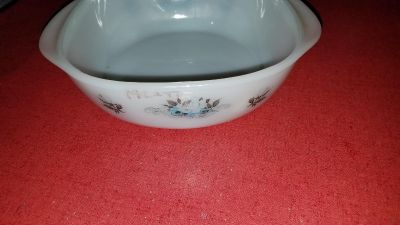 Pyrex Casserole dish with flowers design