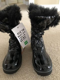 Girls Size 4 Cougar Winter Boots
