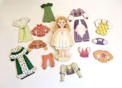 Wooden Doll with Magnetic clothes! Melissa & Doug! (No Stand) 14 Pieces. Good Condition.