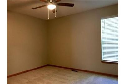 Bright Kearney, 3 bedroom, 3 bath for rent